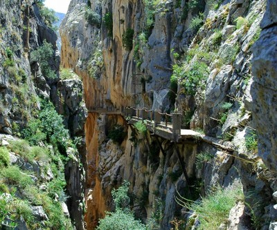 やばすぎるスペインの断崖絶壁「Caminito del Rey」04