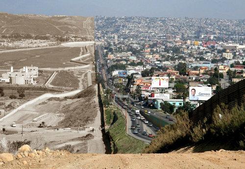 アメリカとメキシコの国境線02