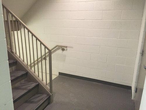 階段で目が離せない04