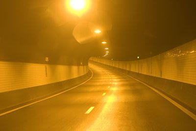 顔が引きつるほど恐ろしいトンネル