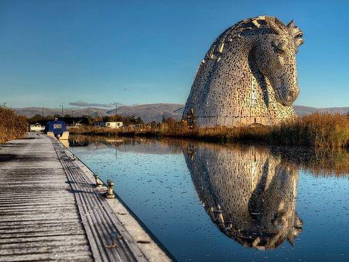 スコットランドにケルピーの巨像15