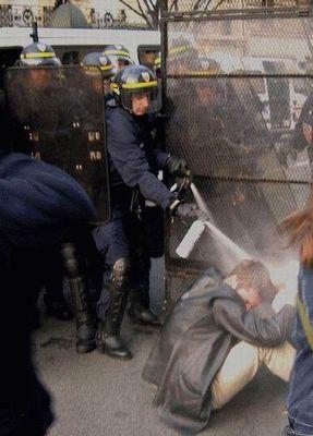 デモや暴動19