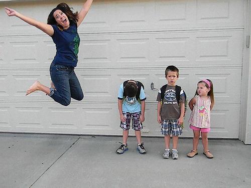夏休みが終わって喜ぶ親たち07
