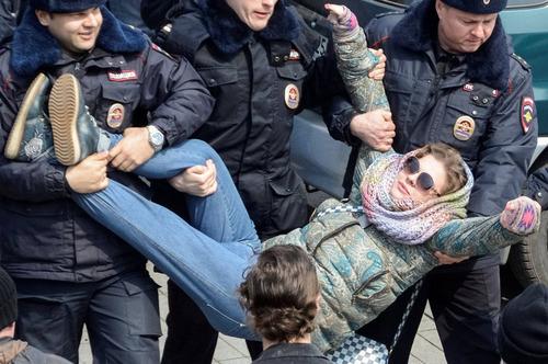 優雅な逮捕のされかた02