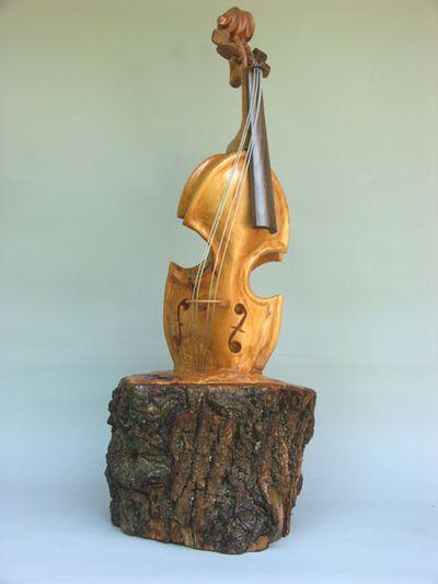 変わった形のバイオリン03