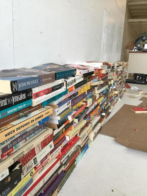 4000冊の古本でリビングをデザイン03