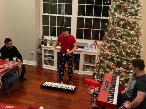 クリスマスソングのジャグリング00