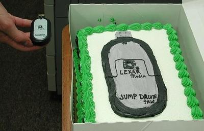 何か間違ってるケーキ05