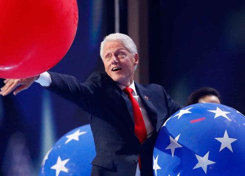 ビル・クリントンはバルーンが大好き03