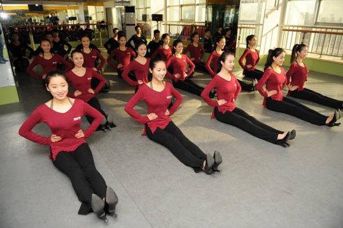 中国ではキャビンアテンダント志望の競争率が高い02