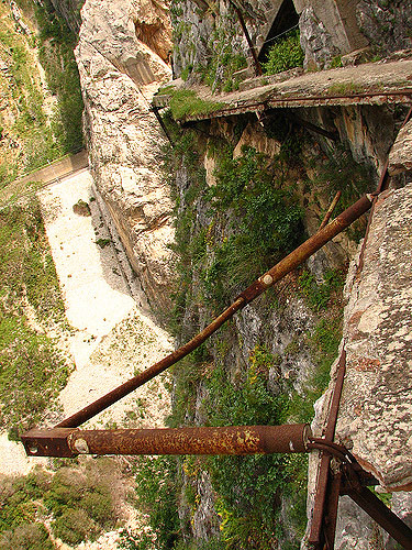 やばすぎるスペインの断崖絶壁「Caminito del Rey」05