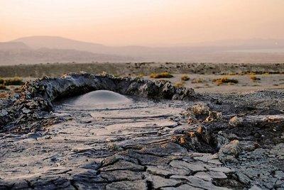 アゼルバイジャンの泥火山02