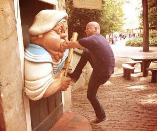 銅像の間違った楽しみ方09