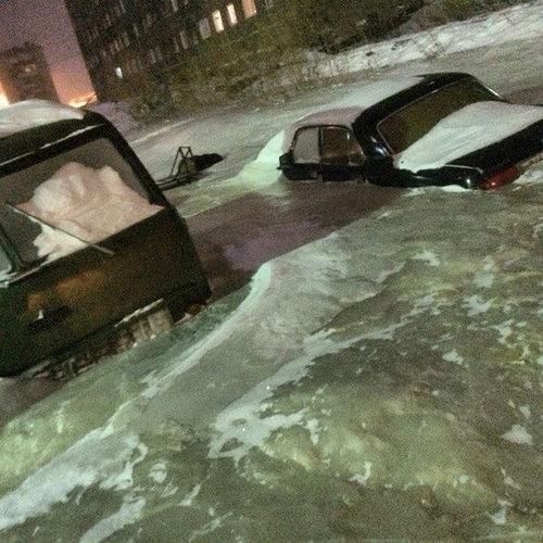 ロシアで水道管が破裂01