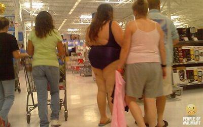 水着を着た太い人