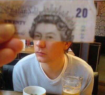 紙幣の肖像画と合体13