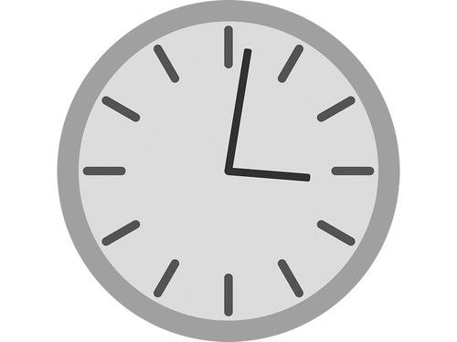 「おじいちゃんの家の置き時計は、1周が12時間ではなく1週間になっていた…」