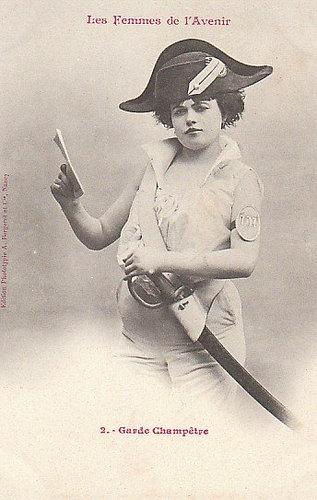 100年前に想像した未来の女性像02
