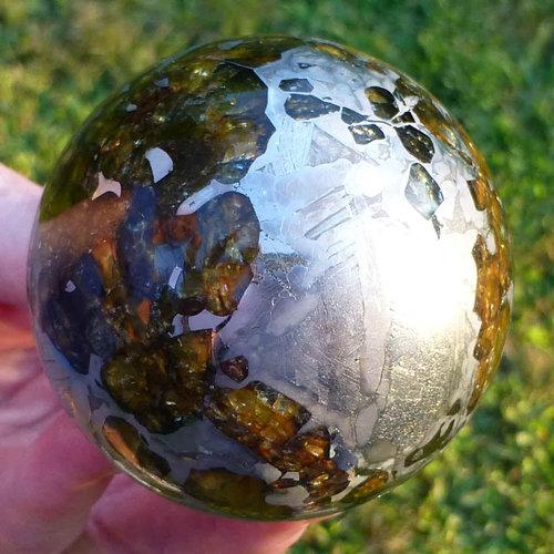 ぴかぴかに磨いた隕石02