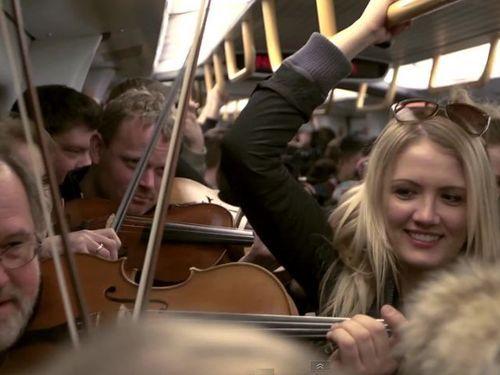 満員電車でクラシック生演奏