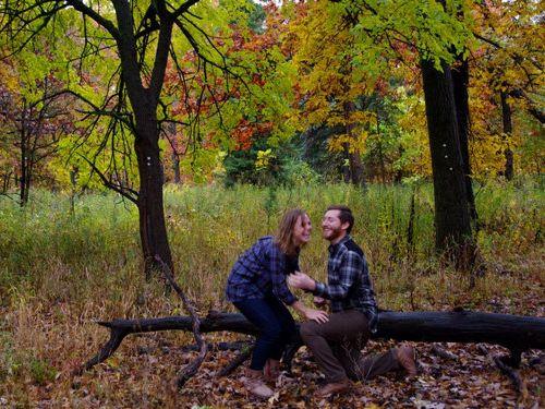 森の中で自動撮影にしてプロポーズ05