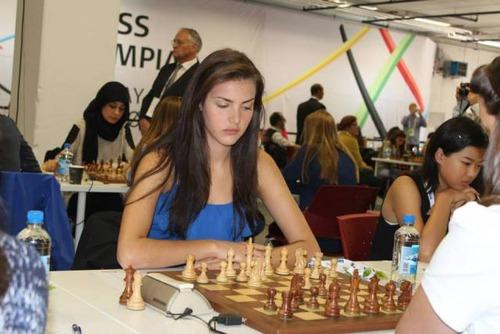 カナダの美人チェスチャンピオン06