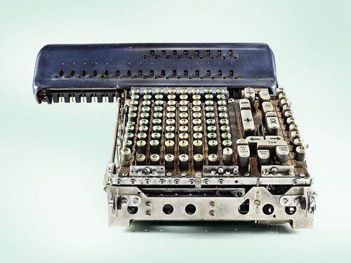 機械式計算機の断面00
