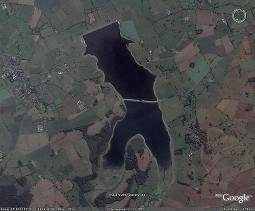 変わった湖10