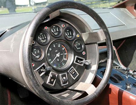 車のダッシュボード01