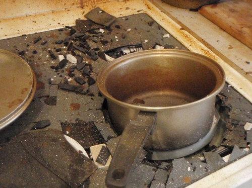 カラメルを煮詰めて火を消し忘れると05