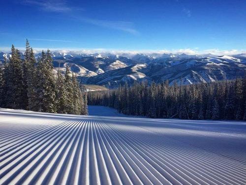 美しいスキーフィールドの景色01