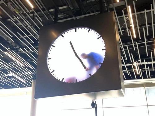 アムステルダム空港の手書き時計05