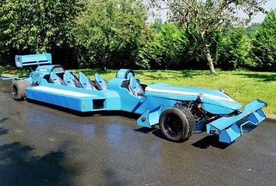 F1みたいなリムジン04