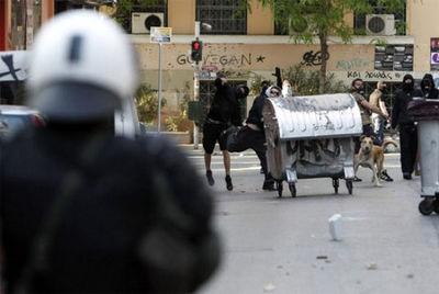 ギリシャの暴動犬07