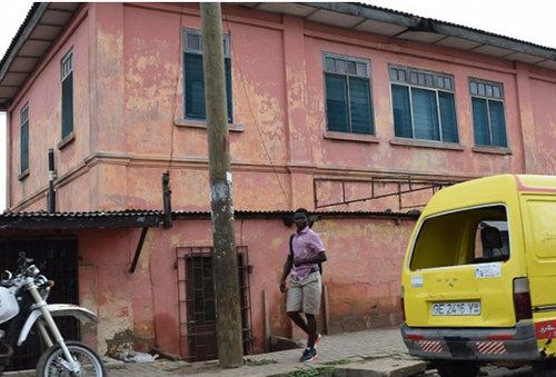 ガーナで偽のアメリカ大使館01