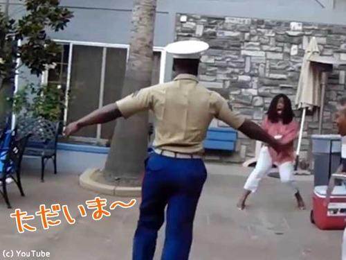 海兵の息子がサプライズ帰宅(動画)00