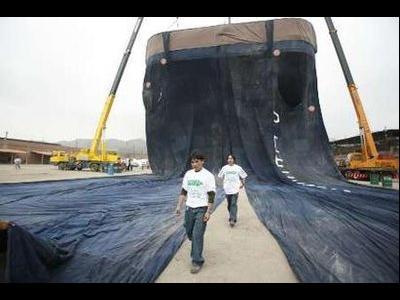 世界最大のジーンズTOP