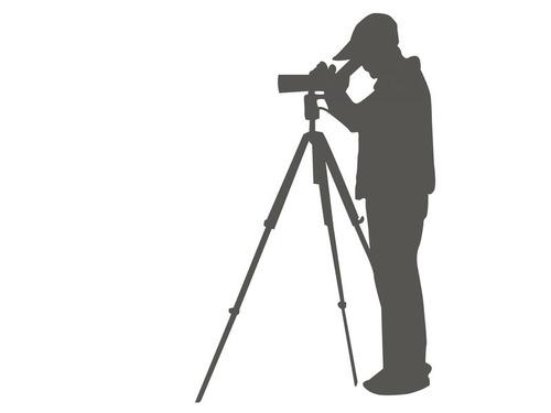 野生動物を自動撮影するカメラを設置した00
