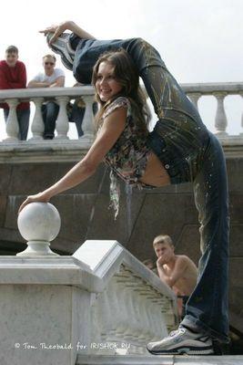 美しくも軟体なロシア女性たち02