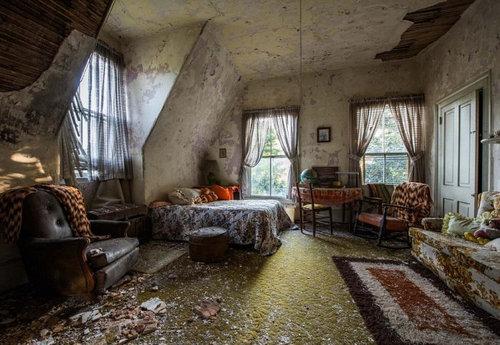 30年前に廃墟となったアメリカの屋敷05