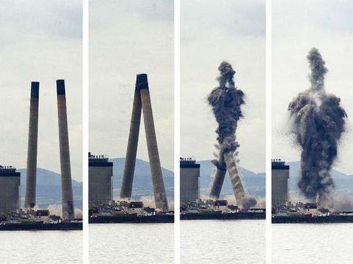 発電所の煙突破壊00