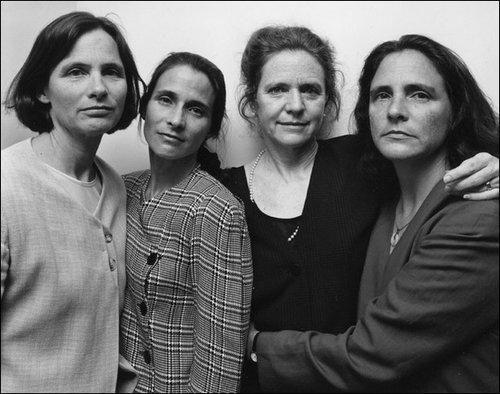 4人姉妹の毎年の写真23