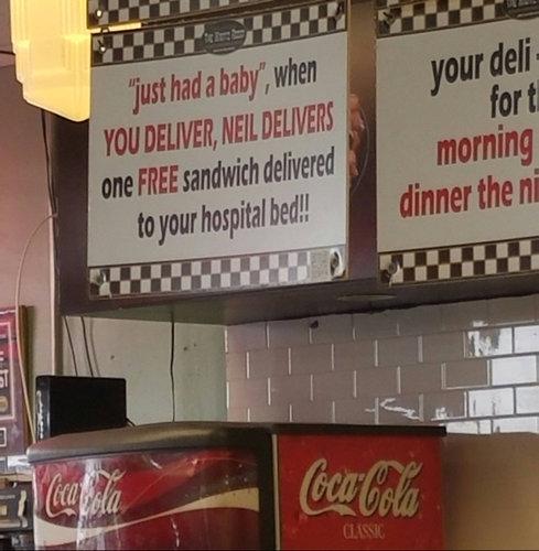 出産するとサンドイッチを配達するレストラン01
