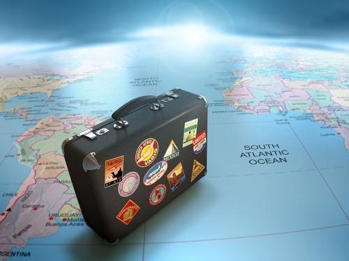 旅行するときのスーツケースの名札