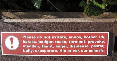 動物園の面白標識09