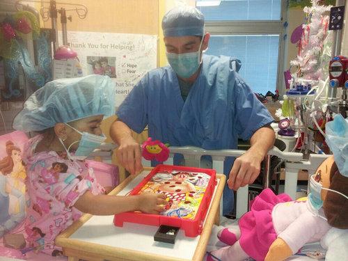 2歳児が医者とオペ・ゲーム01