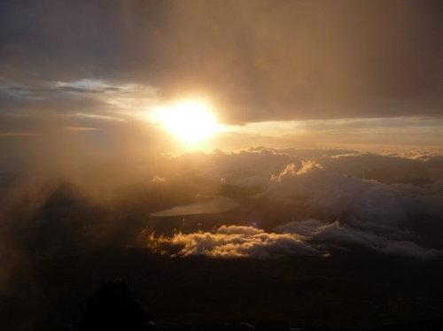 4度目の富士登山で、ようやく朝日が見られた04
