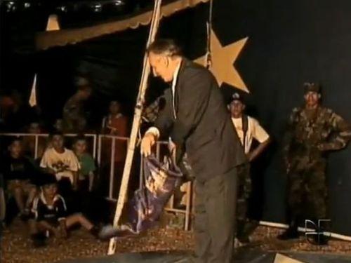 コロンビアの催眠ショー00