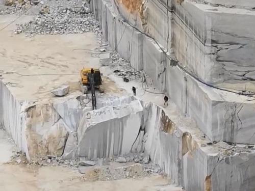大理石の採石場04