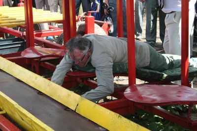 半自動きゅうり収穫機08